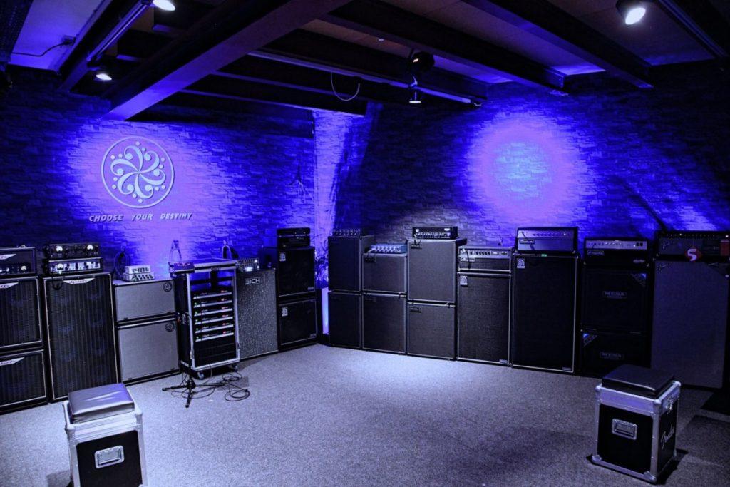 New bass amp test room at Musik Produktiv